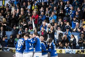 Hela Sundsvall jublar. GIF slog tillbaka ÖFK med 5–0 i det historiska derbyt inför nästan 7 500 åskådare.