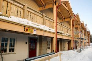 Trots att det i framtiden blir färre lägenheter på Hotell Klövsjöfjäll tror Anders Backskog att beläggningen på hotellet kommer att bli högre.Numera får gästerna på Hotell Klövsjöfjäll gå in till sina lägenheter utifrån.    Foto: Sandra Högman