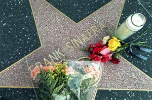 Den 14 maj 1998 avled Frank Sinatra av en hjärtattack, 82 år gammal