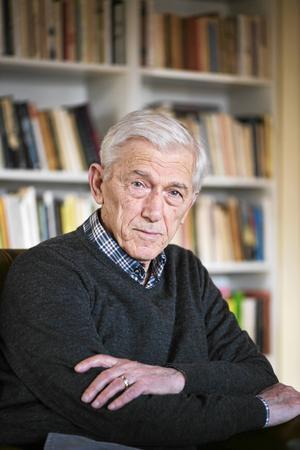 I höst kommer Theodor Kallifatides 37:e roman vilket betyder att han under sina år i Sverige gett ut en bok vart eller vartannat år.