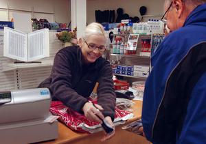 Kicki Hedberg smygöppnade Foder & Lantgård för en månad sedan och förklarar att hon fått mycken uppskattning av kunderna för denna satsning.