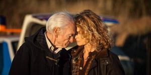Tord Peterson och Lena Endre spelar far och dotter i