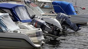 Stöldvågen av båtmotorer och båtar ser ut att bli ovanligt intensiv i år.