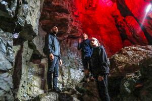 Under onsdagskvällen rekognoserade Giorgio Bartocci, Anton Wiraeus och Henrik Ljusberg i grottan.