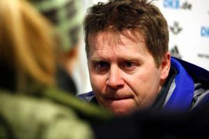Staffan Eklund tror att dam-laget kan ta pallplatser i vinterns världscup.  Foto: Henrik Flygare