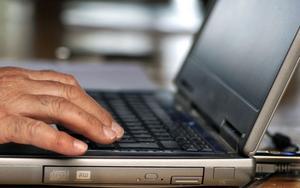 Är möjligheten att vara anonym på Internet en av orsakerna till de så kallade