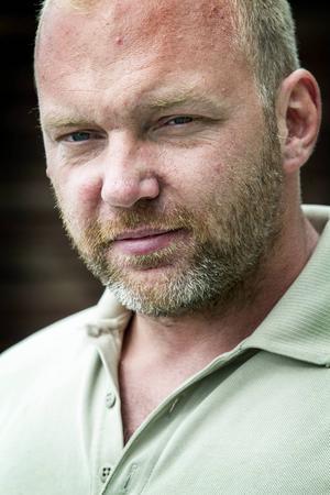 Andreas Åström har fått ett omfattande ansvar på sina axlar sedan han köpte en gård med vidhängande badhus.