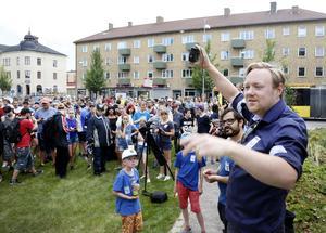 Andreas Jonsson ,  arrangerade tillsammans med Gävle Kommun och några lokala företag,  Gävles första pokéwalk.