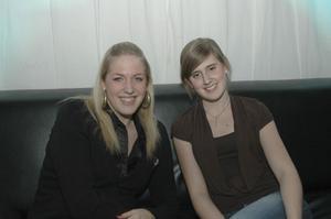 Pluto. Anna och Emma