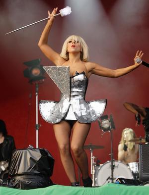 Lady Gaga slog publikrekord på Gröna Lund i söndags med 23 000 besökare, den högsta siffran sedan Bob Marleys konsert 1980. Dagen innan hjälpte hon Storsjöyran med ett nytt publikrekord.