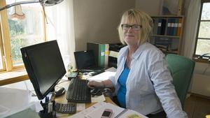 Ing-Marie Carlsson driver företaget Klivet utanför Ängelsberg. Företaget erbjuder hushållsnära tjänster.