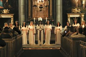 Många ville se Nordanstigs Lucia krönas i Bergsjö kyrka.