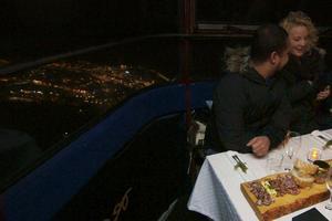 En middag 1774 meter över havet. Kabinbanan blir restaurang för en kväll under Åre Gastronomy.