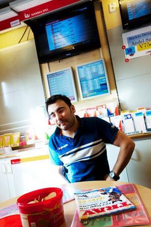 """John Demir flyttade till Hackås från Turkiet för tio år sedan. """"Jag älskar den här platsen"""", säger han."""
