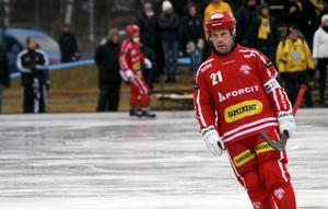 Jesper Bryngelson gjorde karriärens kanske sista annandagsderby. I januari fyller den förre elitseriestjärnan 40 år.