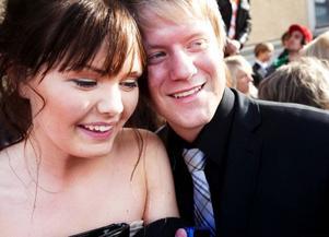 Hanna Molin blev eskorterad av pojkvännen Lasse Holmgren.