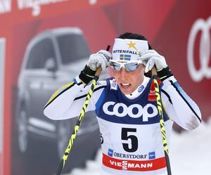 Charlotte Kalla är i form men inte i toppform och klarade inte att hålla tempot hela vägen in i mål.