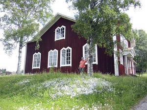 Från missionshus till kulturhus. Björn Gustavsson ser till att människor fortsätter att samlas Ovanmyra kulturhus.