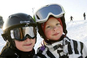 Ville Hedin och Gustav Nielsen från Hudiksvall trivdes i slalombacken.