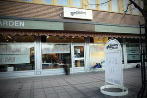 Sista skoaffären i Kramfors stänger till jul – om ingen seriös spekulant vill ta över.
