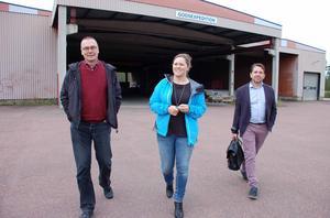 Mikael Thalin, Matilda Bastman och Joakim Larsson vandrade runt i fabrikslokalerna där kätting tidigare tillverkades.