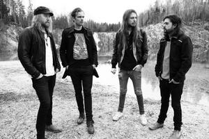 Är med på Rock at Sea. Dazed från Lindesberg: Thomas Pettersson, Mikael Andersson, Nicklas Jansson och Nicklas Dahlgren