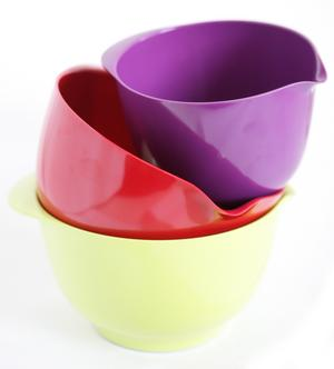 En vanlig syn i de svenska köksskåpen. Finns i alla tänkbara färger.