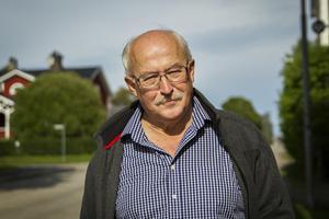 Vilgot Svedman bor i Eksjö men är född i Ljusdal. Nu är han på turné för att samla ihop pengar till en skola i indiska Bhatwari.