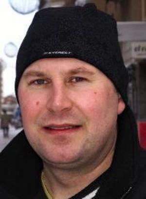 Ove  Andersson, 38 år,  Körfältet:– Ja. Jag försöker  göra det en gång i veckan, för att det är gott och för att jag har hört att det är nyttigt.