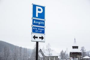 Ny parkeringsavgift ska öka ruljangsen av bilar som parkerar i centrala Åre enligt Katrin Wissing (MP). Inom den dyrare parkeringszonen (zon 1) är det högst två timmars parkering som gäller.