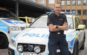 Robert Wallén, polisområdeschef i Västmanland säger att omständigheter, däribland skjutningen mot en polismans bostad i Västerås, fördröjt rekryteringen av en ny lokalpolisområdeschef till  Norra Västmanland där Sala är huvudort och Fagersta, Norberg, Skinnskatteberg och Surahammar ingår.