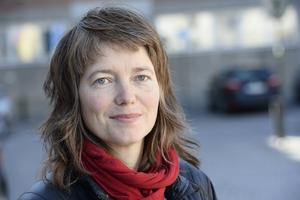 Vänsterpolitikern Malin Björk har blivit polisanmäld sedan hon tillsammans med andra flygplanpassagerare knäppte upp säkerhetsbältena och ställde sig upp i det flygplan hon skulle resa med.