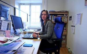"""""""I dag finns det många elever som inte får möjlighet till studiehandledning på modersmålet"""", säger Katarina Tegmark, projektledare för en mottagningsenhet."""