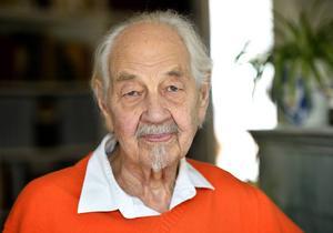 Lennart Hellsing har avlidit.