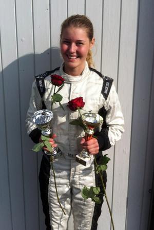 Ida Granegärd fortsätter att bjuda grabbarna i Formel Basic på bra motstånd. I helgen var hon med och slogs om segern i båda racen på Falkenbergs bana.