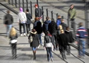 Respekt. Klimatet för unga måste bli bättre. Tjejer måste bli behandlade med respekt, skriver tre socialdemokratiska kvinnor.