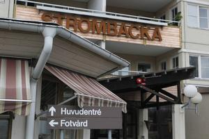 Natten till onsdagen gick det nya brandlarmet i gång på servicehemmet Strömbacka och höll på i en timme. Larmet är ännu inte kopplat till räddningstjänsten och de boende hade ingen information om vad de skulle göra.