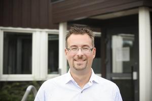 Daniel Danielsson (C) representerar Åre kommun i onsdagens möte med Migrationsverkets chef för region norr, Håkan Hansi. Arkivbild.