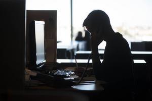 Cirka fem procent av den totala sjukvårdskostnaden, ungefär 174 miljarder kronor, kostar mobbningen på arbetsplatserna, enligt en undersökning från SCB.