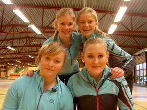 Sundbybergs JSM-guldvinnande lag. Längst upp till höger ser vi skippern Isabella Wranå. De övriga lagmedlemmarna är Jennie Wåhlin, Fanny Sjöberg och Elin Lövstrand.