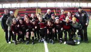 Segrande damlag, Östersunds DF, efter 1–0 i finalen mot Frösön.