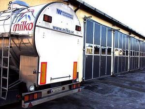 När förarna anlände till garaget på Saltvik på onsdagsmorgonen kunde man konstatera att lastbilen, som är nästan ny och värd 1,7 miljoner kronor, var borta.