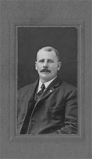Gustavus Campbell var son till Charlot och Robert.