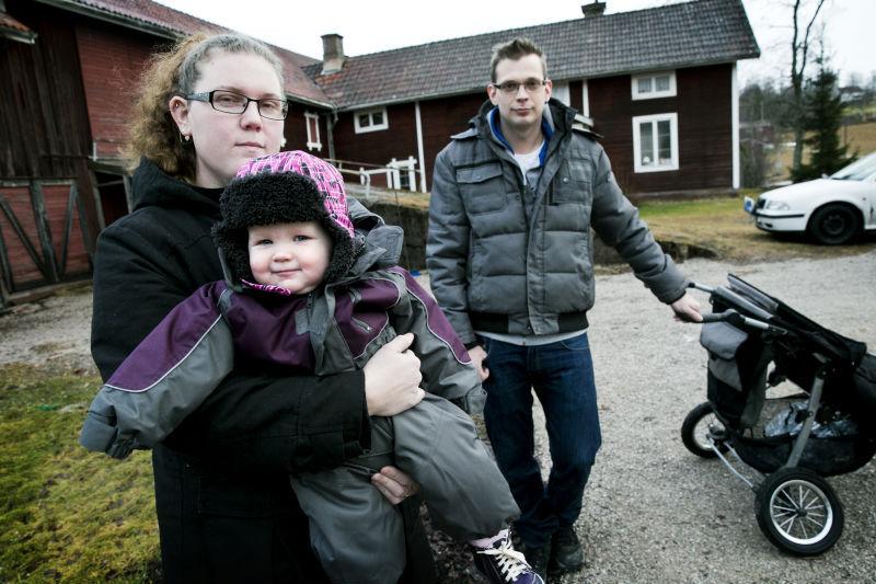 Man med barnvagn pakord