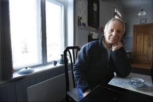 """""""Jag tror att det blir en fjärde vattenfilm, jag har en på gång i samproduktion med SVT"""", säger filmaren Kurt Skoog, som just nu håller på med två projekt, en film om Bjurälven, norr om Gäddede, och en om Teater Bardas """"Megafon""""."""