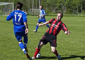 Peter Johansson blev matchvinnare när Frånö vann säsongens första Kramforsderby mot Alliansen med 1-0.