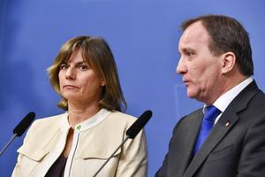 Klimatminister Isabella Lövin (MP) och statsminister Stefan Löfven (S) presenterade på torsdagen ett förslag på en ny klimatlag vid en pressträff på Rosenbad i Stockholm.