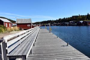 Gästbryggan på Trysunda brukar vara full med båtar under sommarmånaderna. Nu ligger den öde.