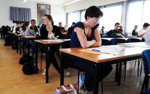 47 000 personer var anmälda för att under åtta timmar ta sig igenom de 160 uppgifterna på Högskoleprovet.