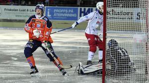 Ville Aaltonen var extra het och gjorde fyra av målen borta i serieepilogen mot Kalix.